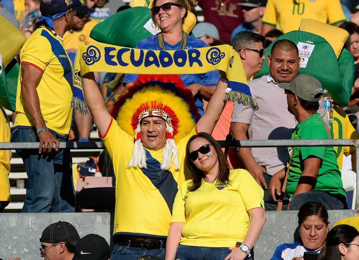 Ecuador-fans-538204994.jpg