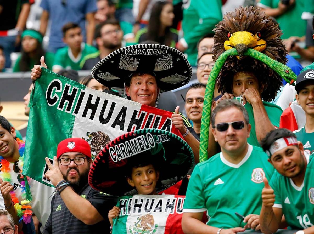 Mexico-fans-045621bd08d64f4b9f7beae6e1891c3e-0.jpg