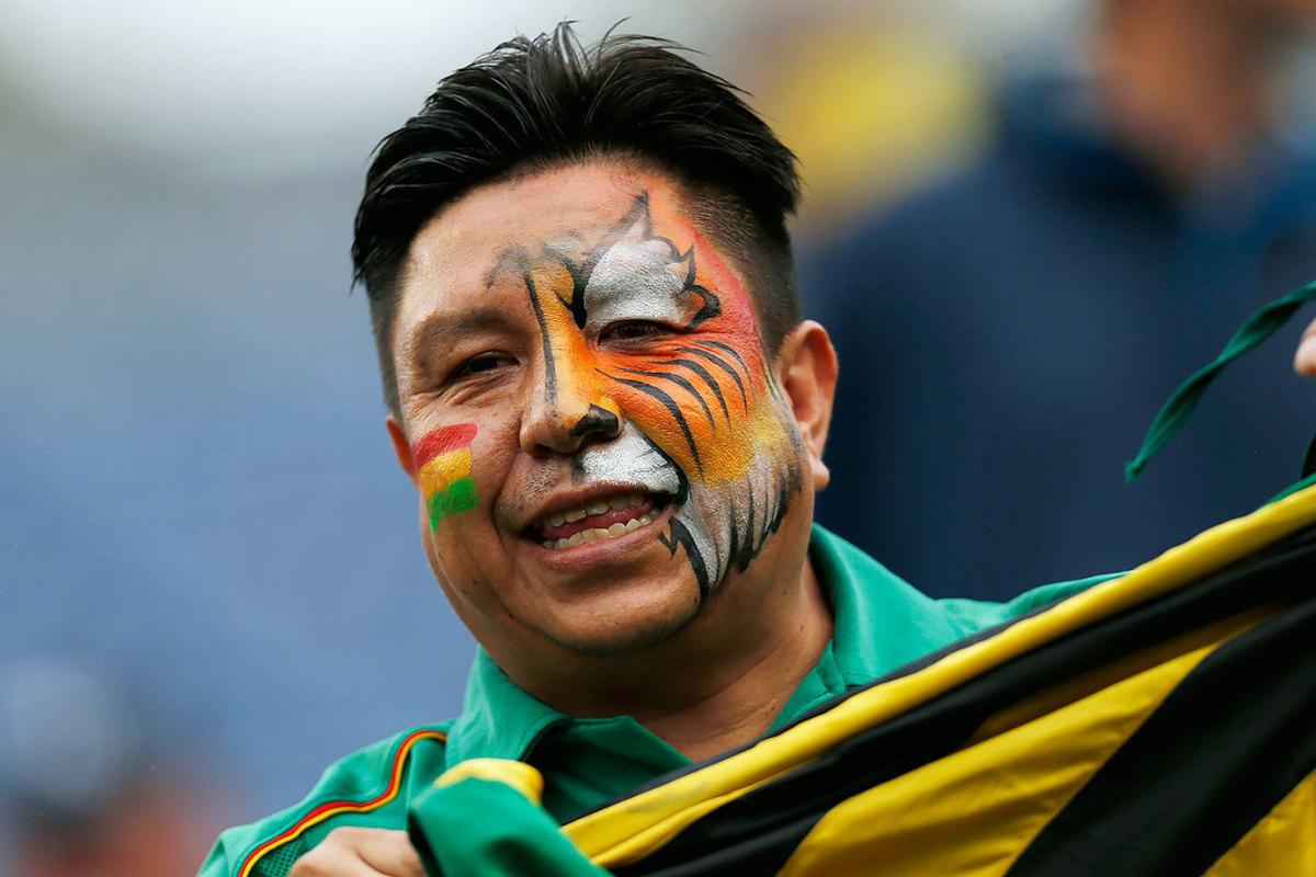 Bolivia-fan-GettyImages-538436944.jpg