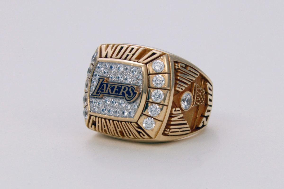 2000-Los-Angeles-Lakers-NBA-Championship-ring.jpg