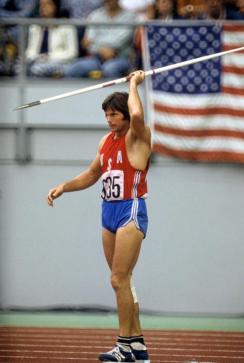 1976-0730-Bruce-Jenner-Decathlon-Javelin-080099042.jpg