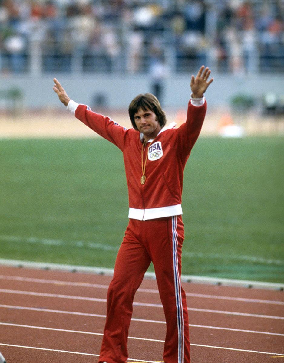 1976-0730-Bruce-Jenner-Decathlon-gold-medal-080099037.jpg