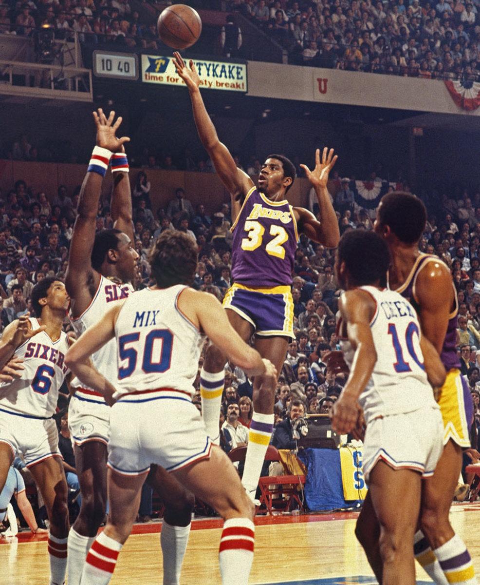 1980-Game-6-Magic-Johnson-079116364.jpg