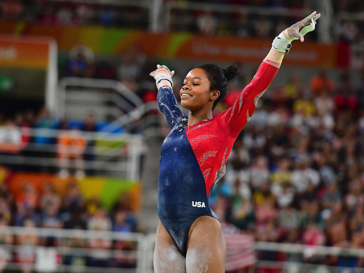 gabby-douglas-finishes-routine.jpg