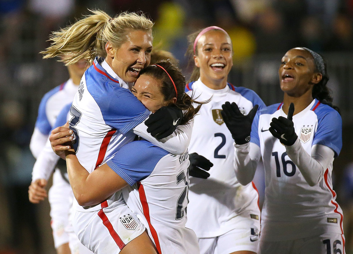 USWNT-Colombia-Long-Gallery.jpg
