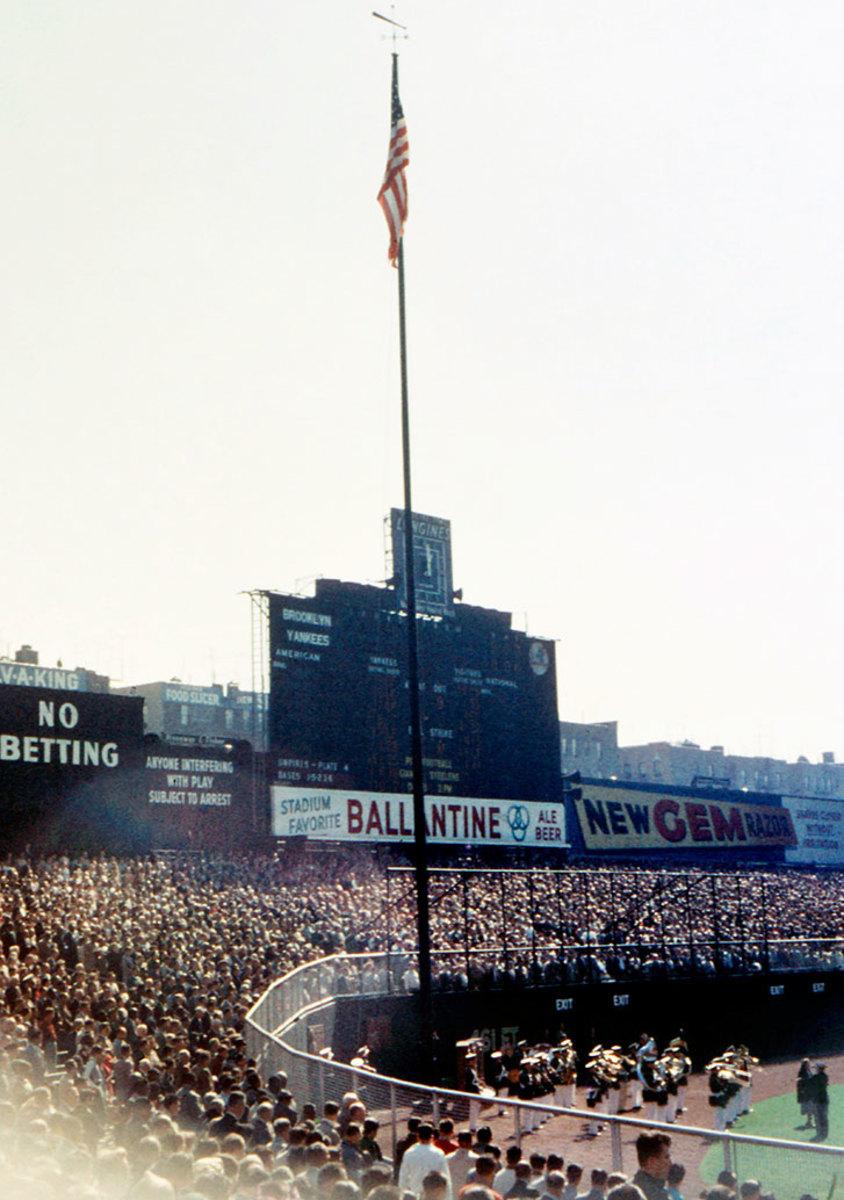 1956-World-Series-Yankee-Stadium-079117556.jpg