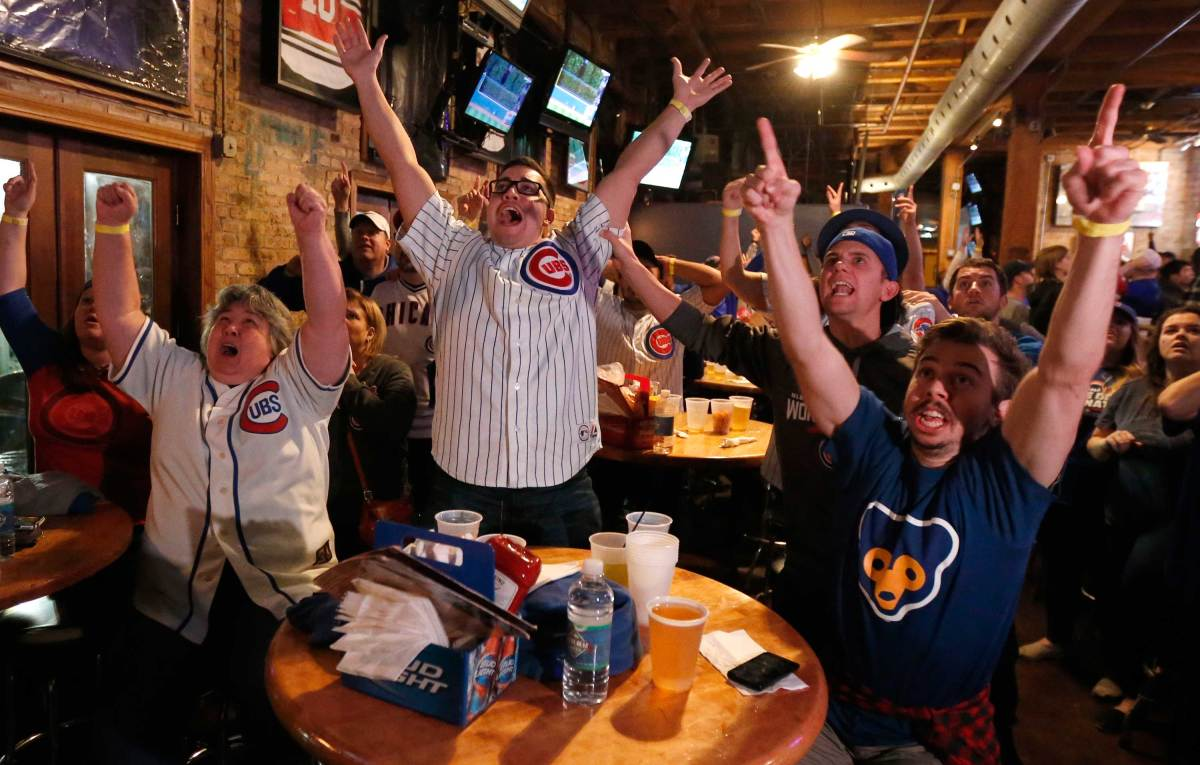 World-Series-Game-7-Cubs-fans-10.jpg