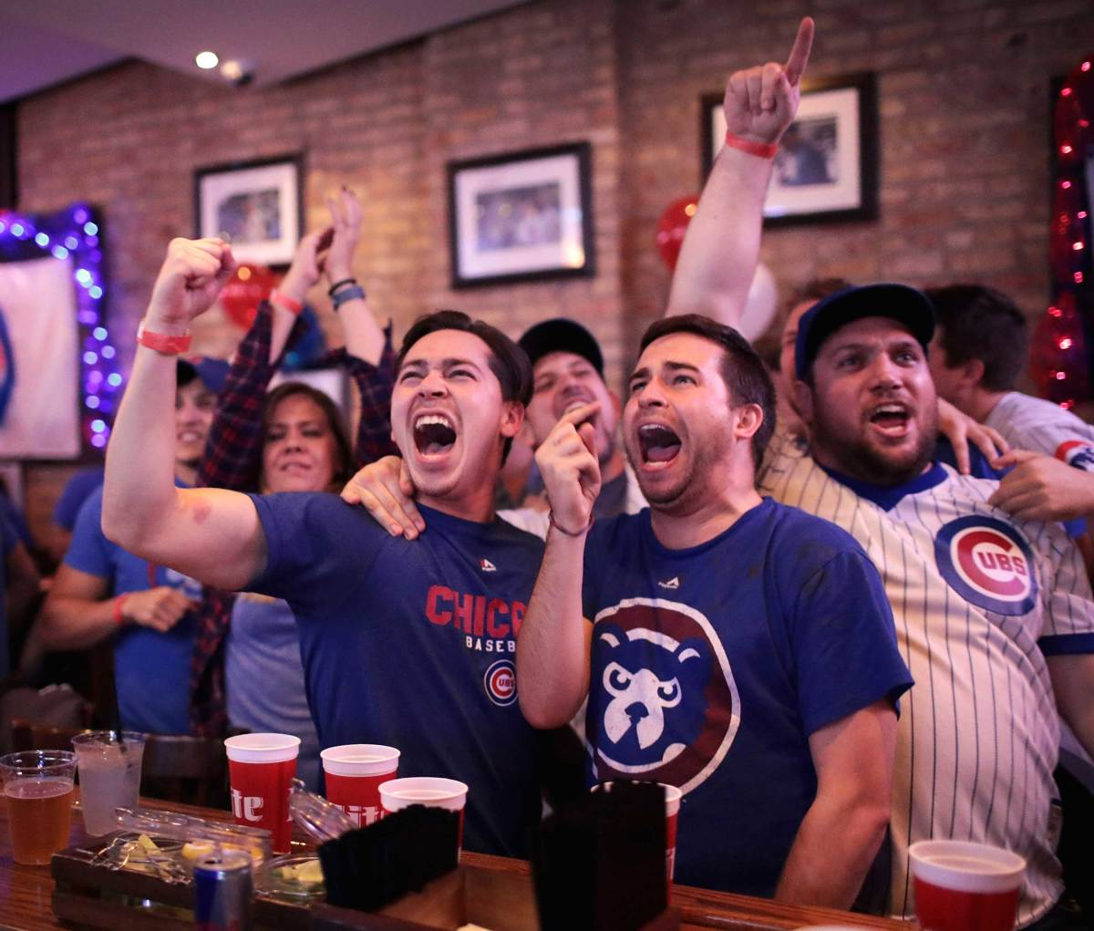 World-Series-Game-7-Cubs-fans-3.jpg