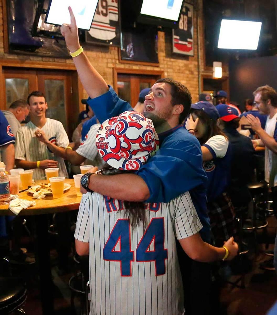 World-Series-Game-7-Cubs-fans-11.jpg