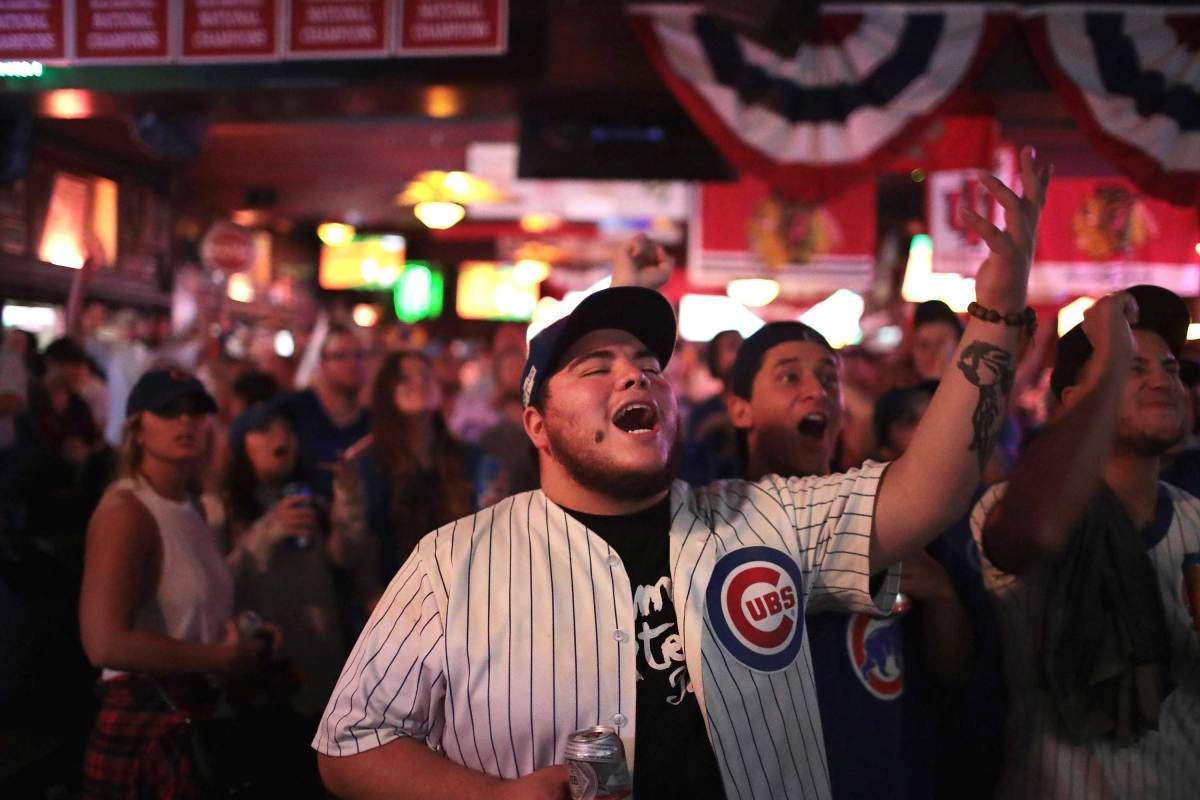 World-Series-Game-7-Cubs-fans-1.jpg