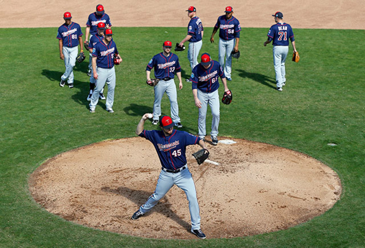 phil-hughes-twins-spring-training-preview.jpg