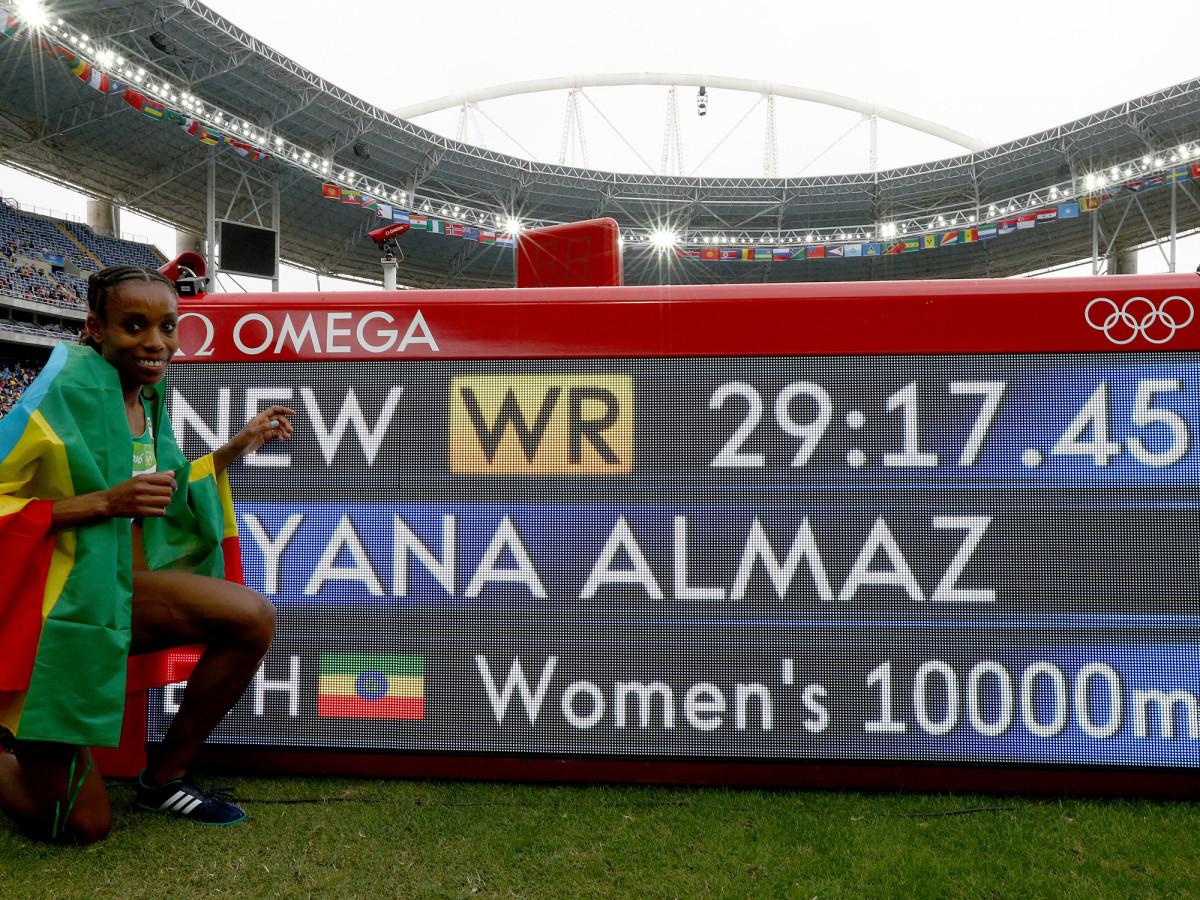 ayana-world-record-posed.jpg