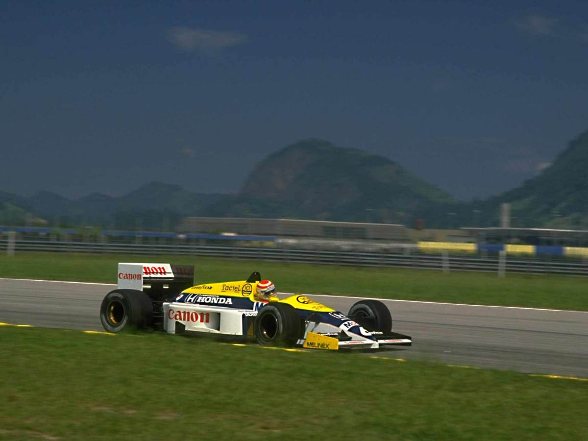 Nelson Piquet in action during the 1986 Grand Prix of Brazil at Jacarepaguá.
