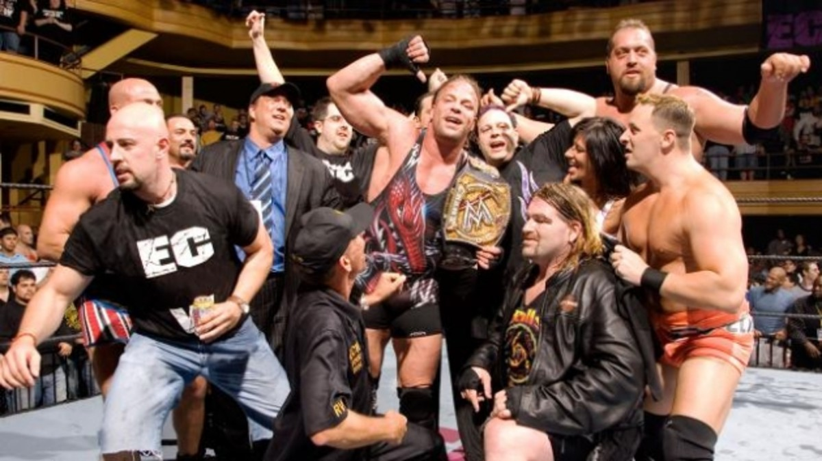 Rob Van Dam_courtesy WWE.jpg