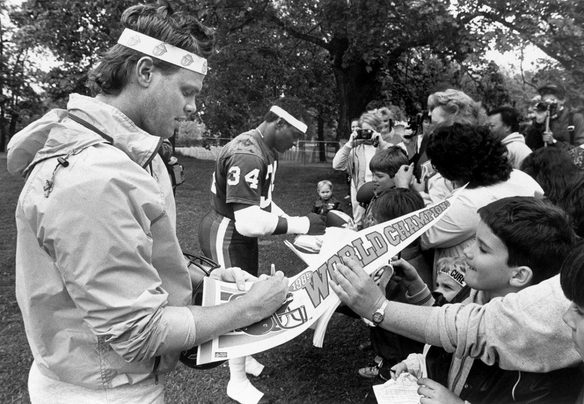 1986-Jim-McMahon-Walter-Payton.jpg