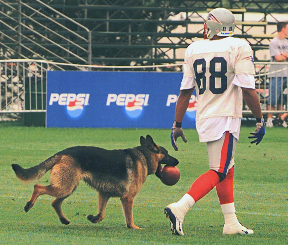 2000-Terry-Glenn-dog.jpg
