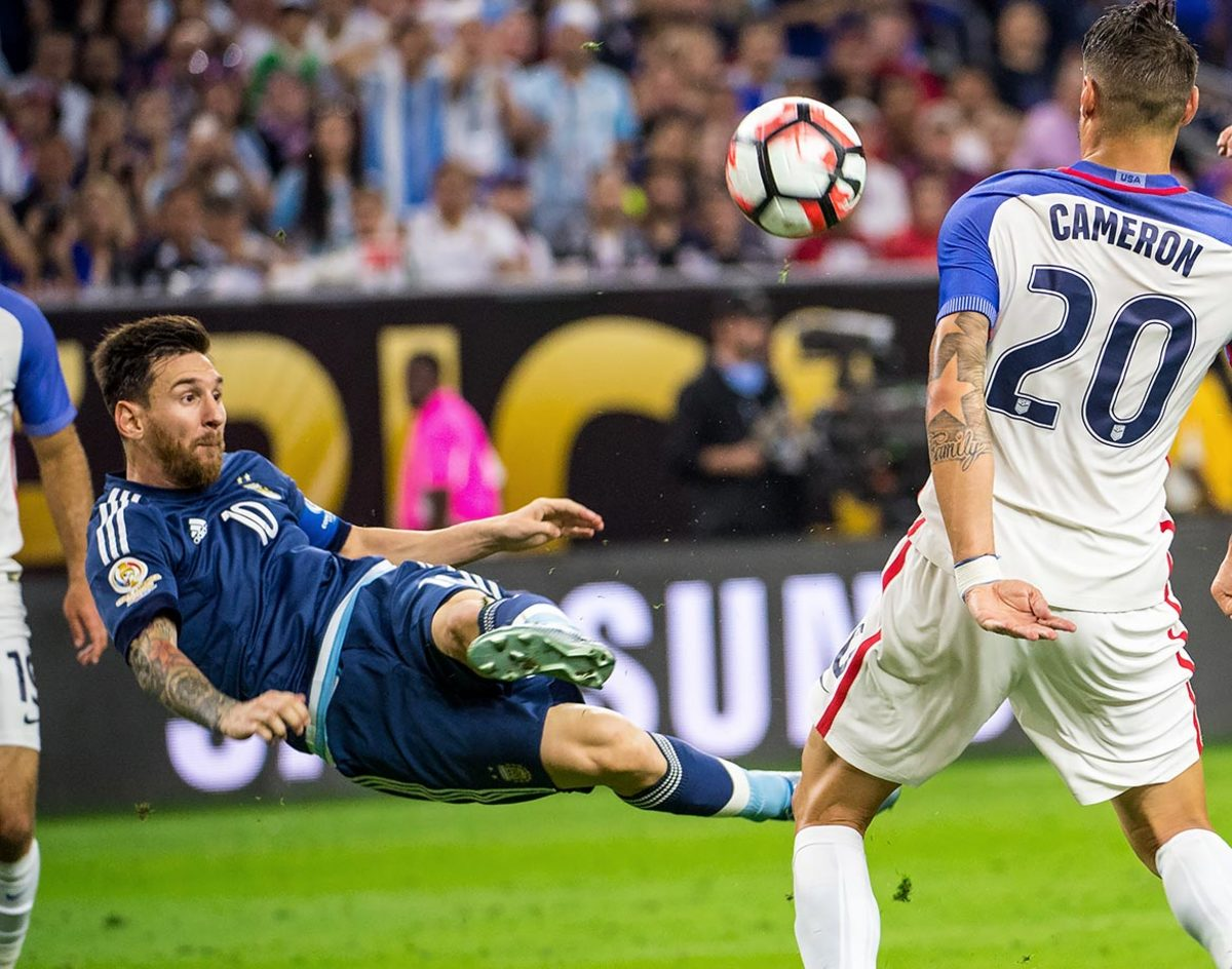 50-Copa-America-semifinal-Argentina-USA-Lionel-Messi.jpg