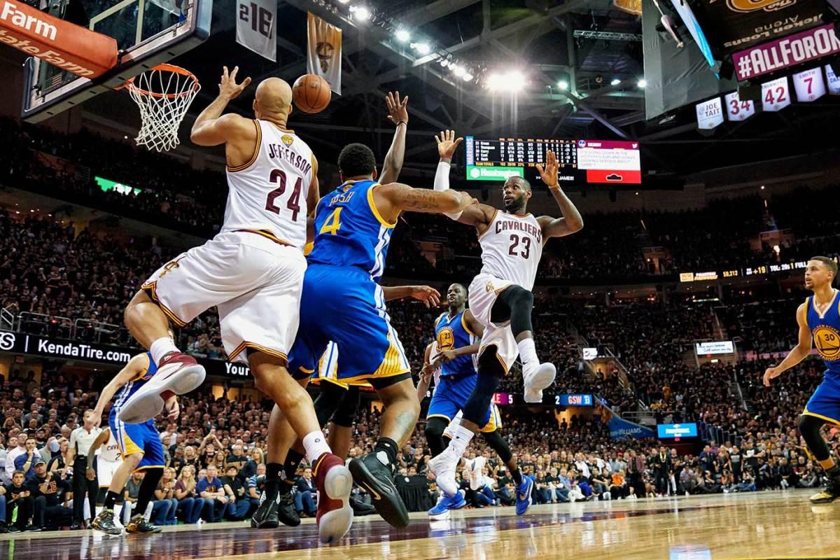 16-NBA-Finals-Game-6-LeBron-James-SI138_TK1_02316_rawfinal.jpg