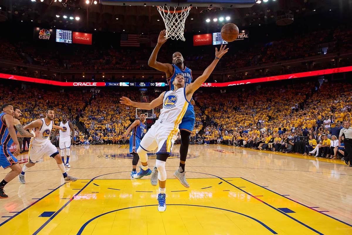 36-NBA-Western-Conference-Finals-Game-5-Stephen-Curry-Kevin-Durant-SI404_TK1_03219.jpg