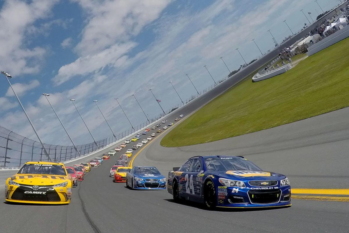 31-Daytona-500-Chase-Elliott-Kyle-Busch.jpg
