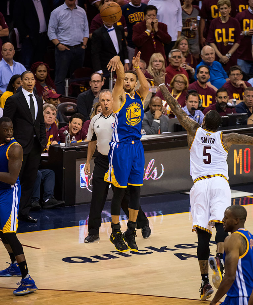 23-NBA-Finals-Game-4-Stephen-Curry-SI136_TK1_02025.jpg