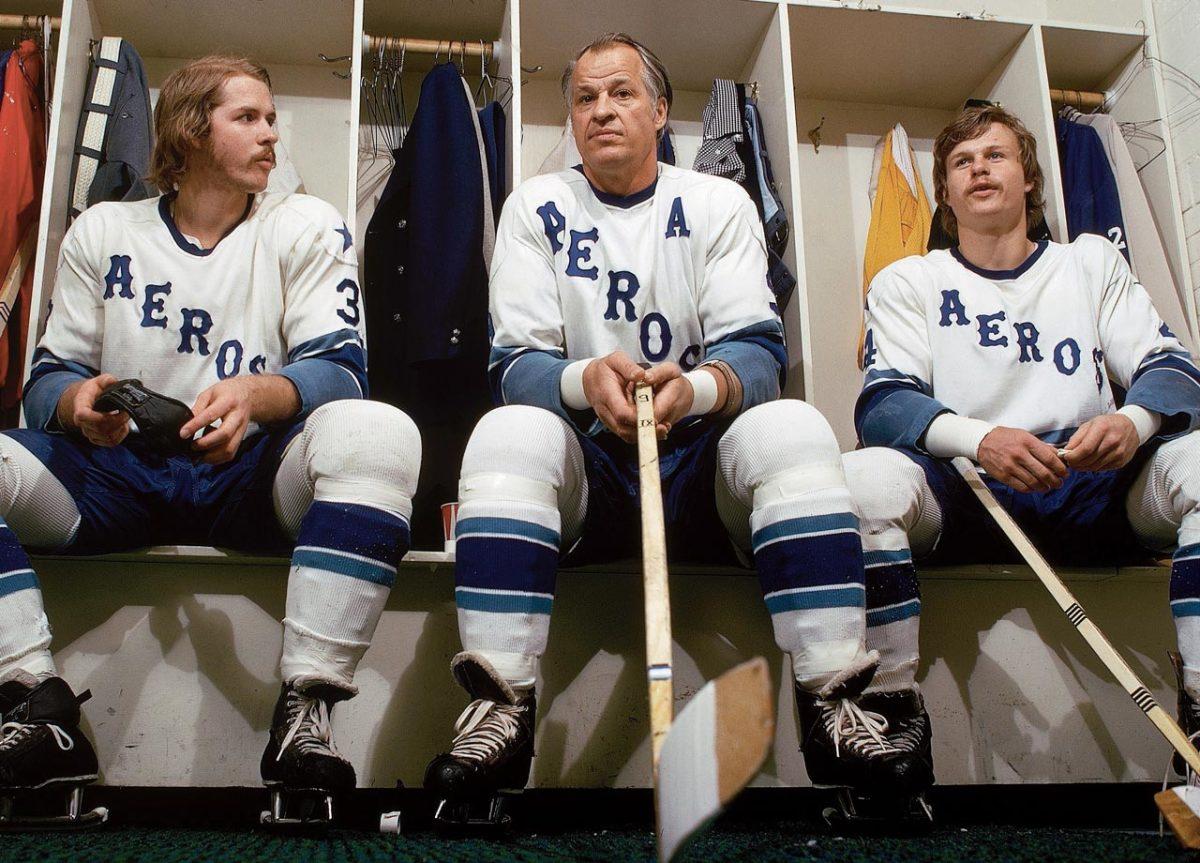 1974-Gordie-Howe-sons-Marty-Mark-001261648.jpg