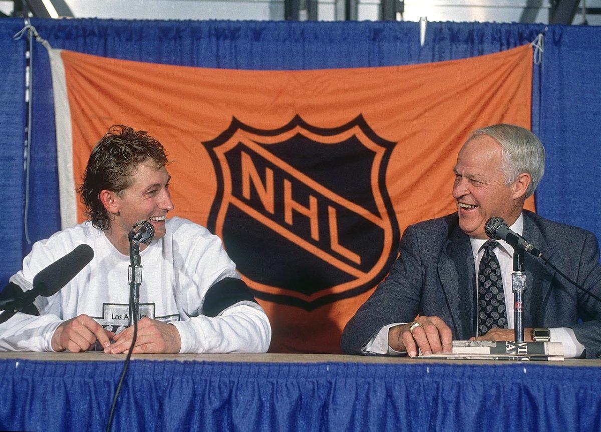 1989-Wayne-Gretzky-Gordie-Howe-080065775.jpg