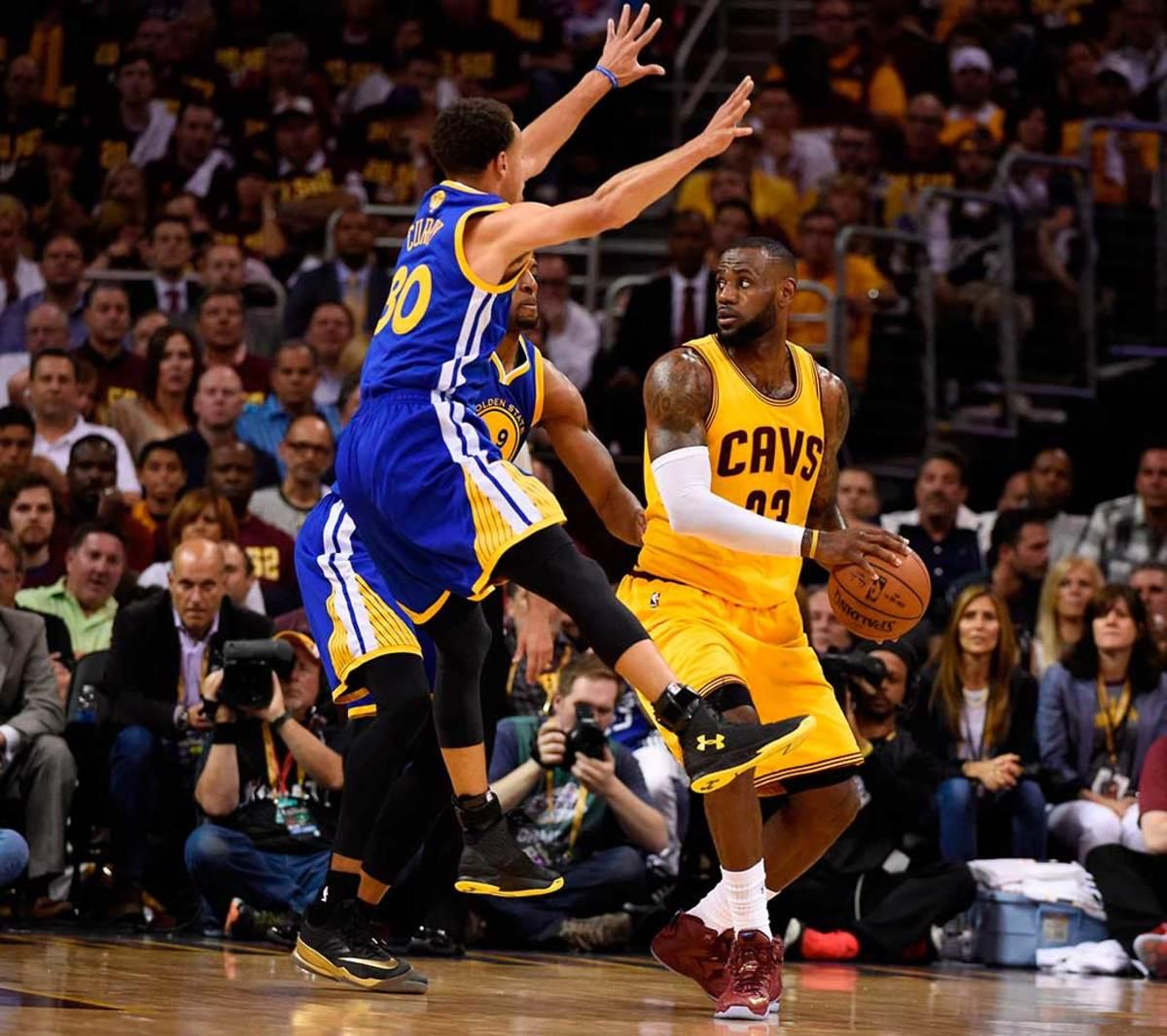 LeBron-James-Steph-Curry-26.jpg