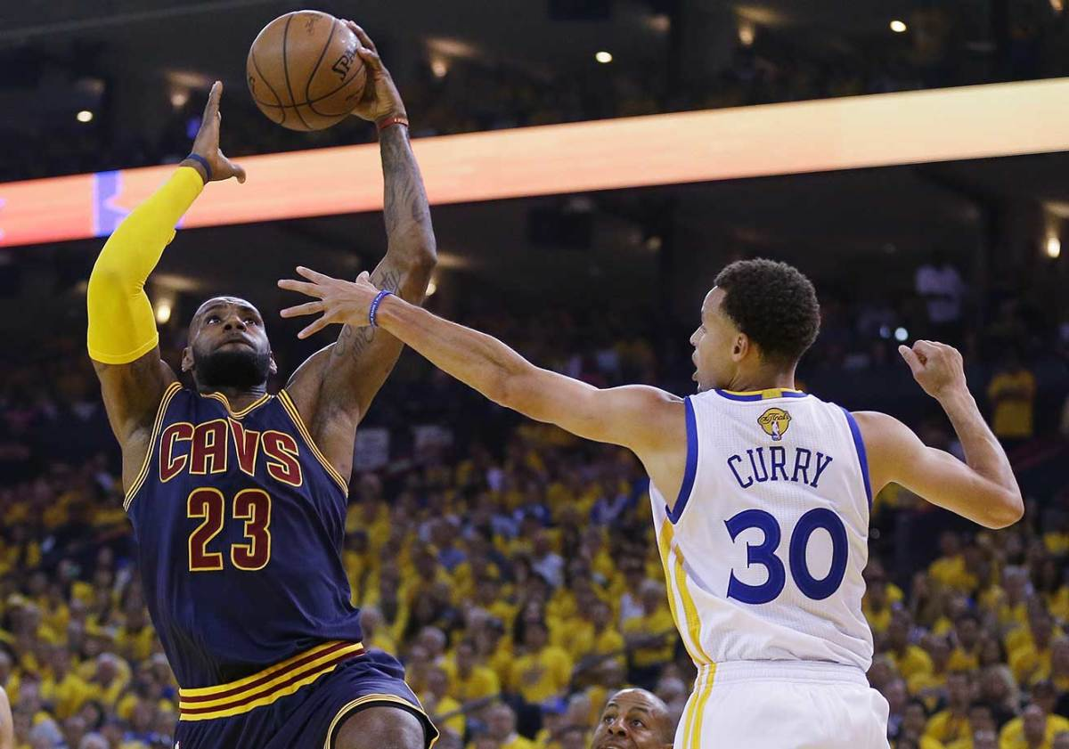 LeBron-James-Steph-Curry-34.jpg