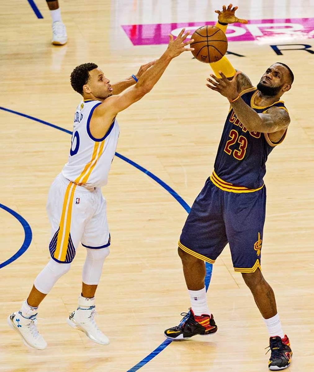 LeBron-James-Steph-Curry-25.jpg