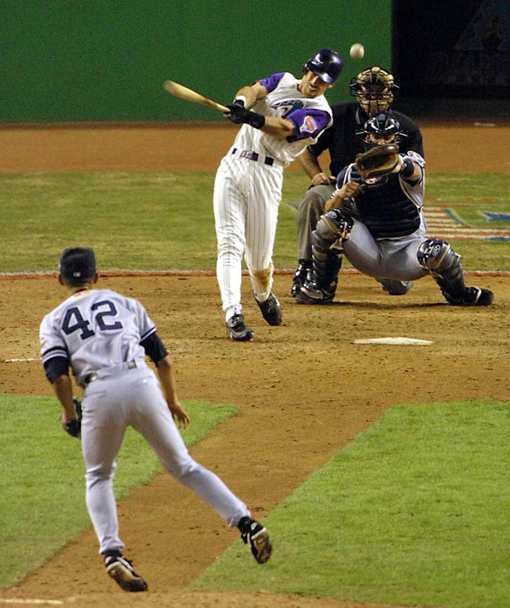 2001-World-Series-World-Series-Luis-Gonzalez-Mariano-Rivera.jpg