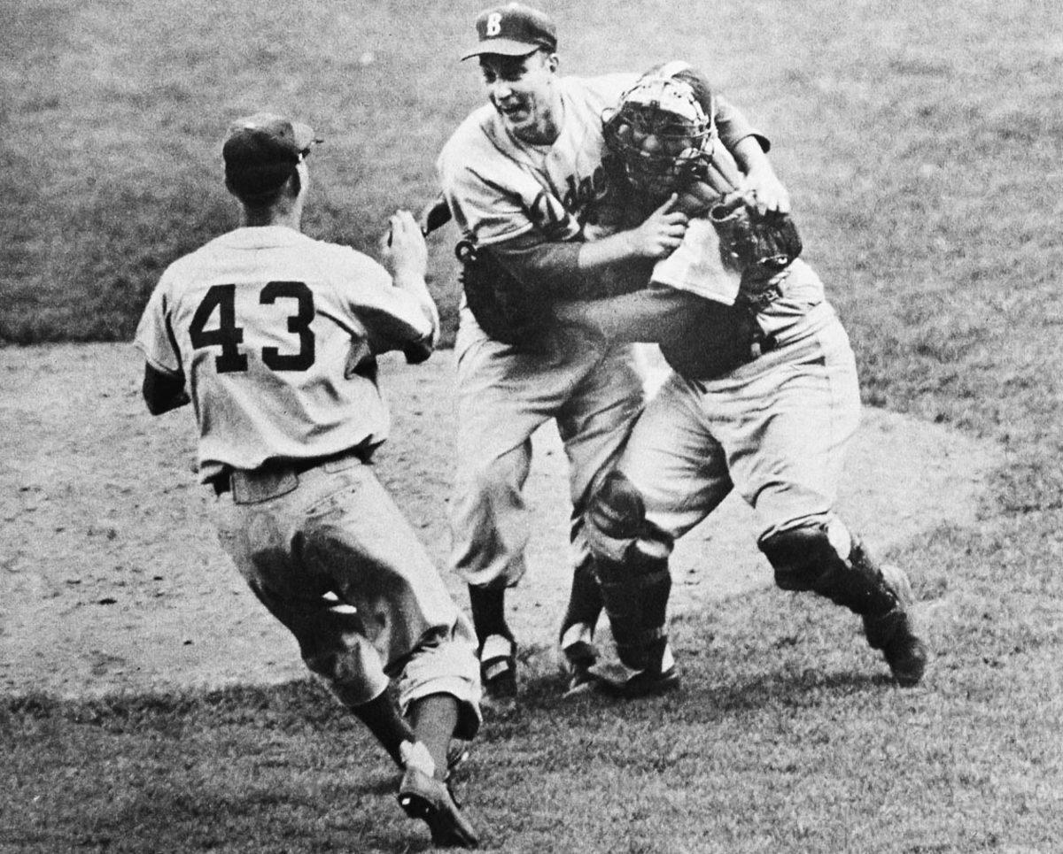 1955-World-Series-Johnny-Podres.jpg