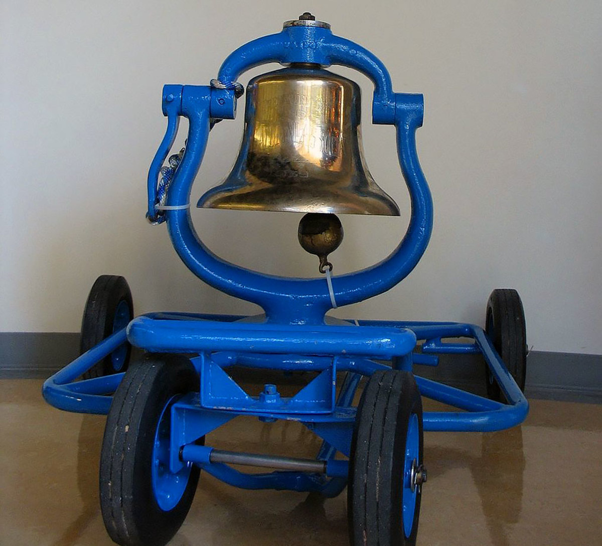 Victory-Bell-UCLA-USC.jpg