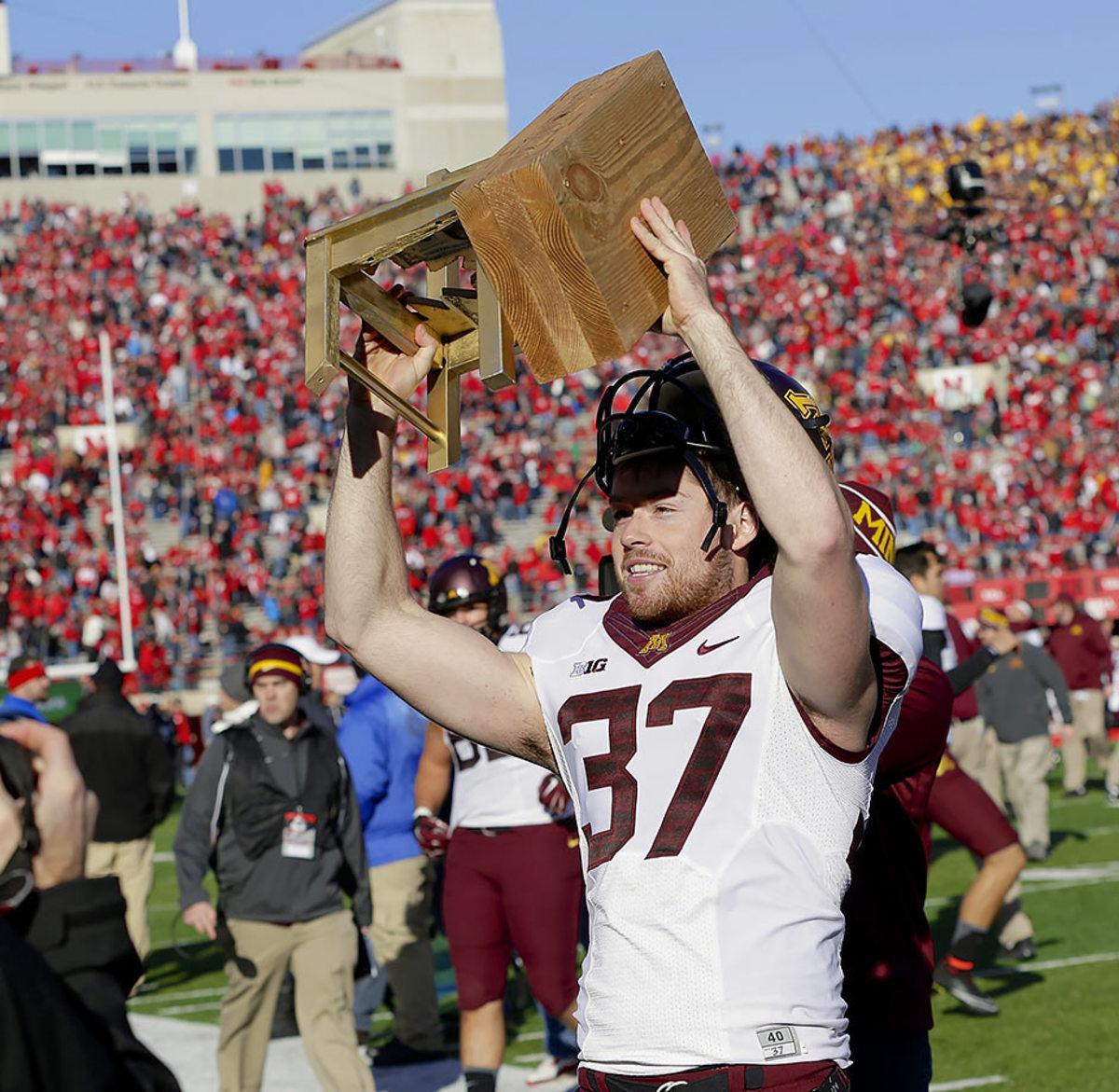 Bits-of-Broken-Chair-Trophy-Minnesota-Nebraska-Peter-Mortell.jpg