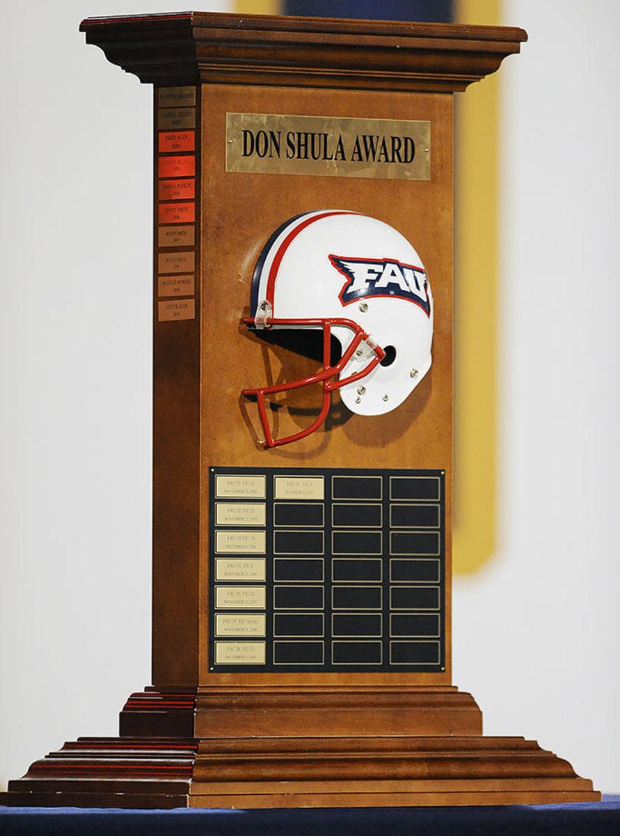 Don-Shula-Award-Florida-Atlantic-Florida-International.jpg