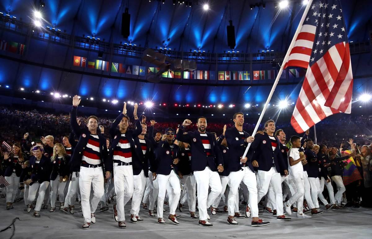 Michael-Phelps-US-team-at-Rio-Opening-Ceremony.jpg