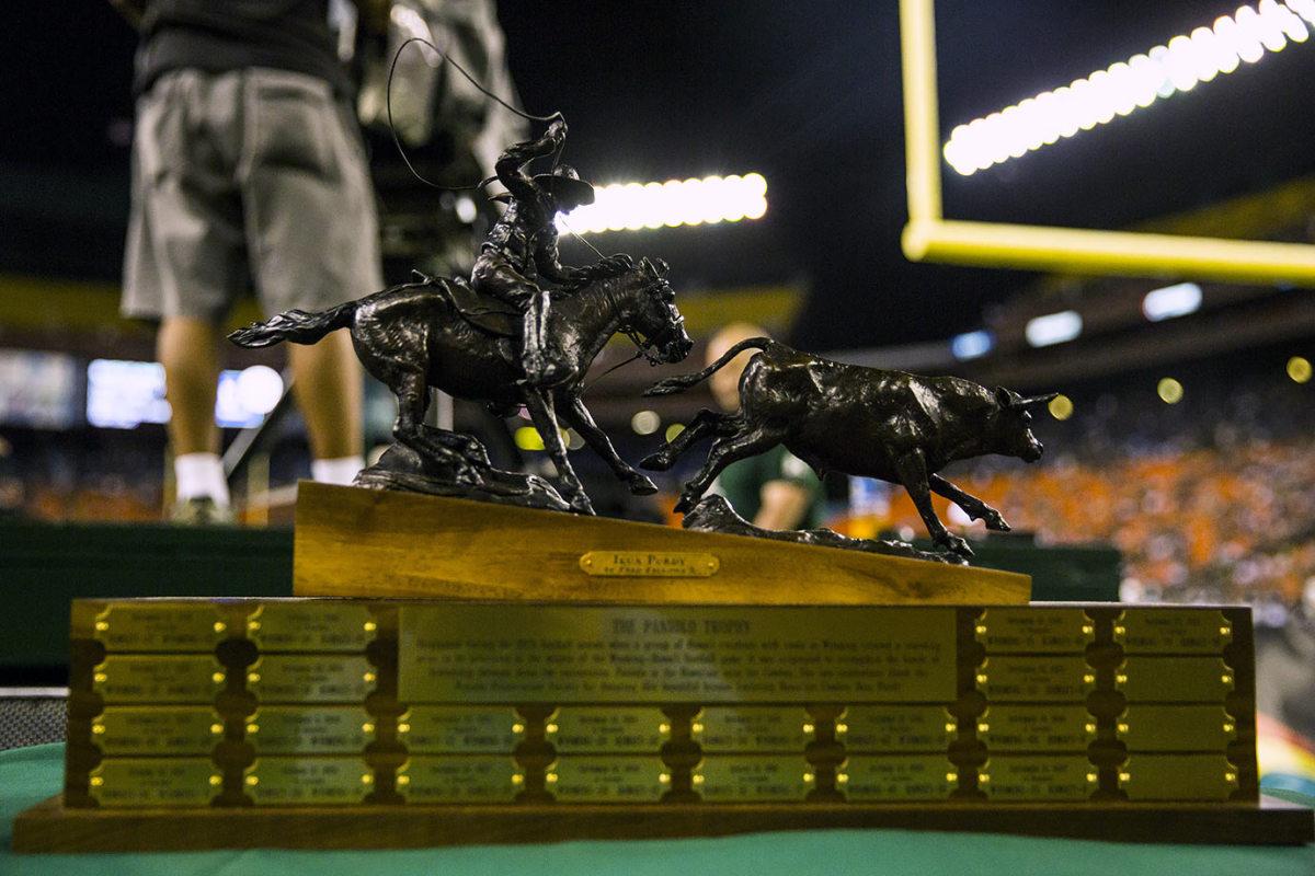 Paniolo-Trophy-Wyoming-Hawaii.jpg