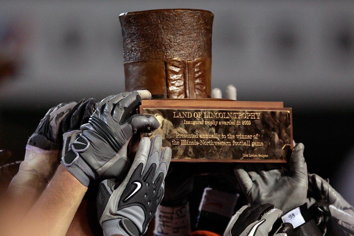 Land-of-Lincoln-trophy-Northwestern-Illinois.jpg