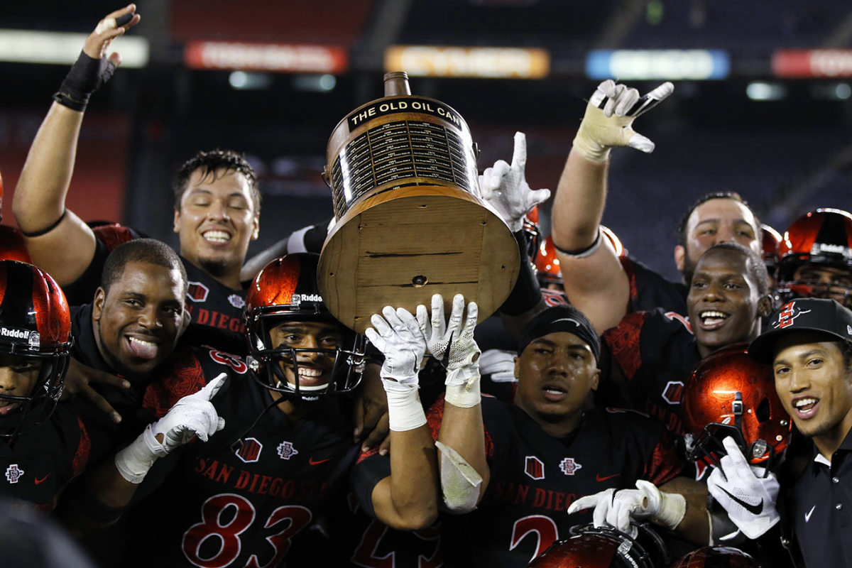 Old-Oil-Can-trophy-Fresno-State-San-Diego-State.jpg