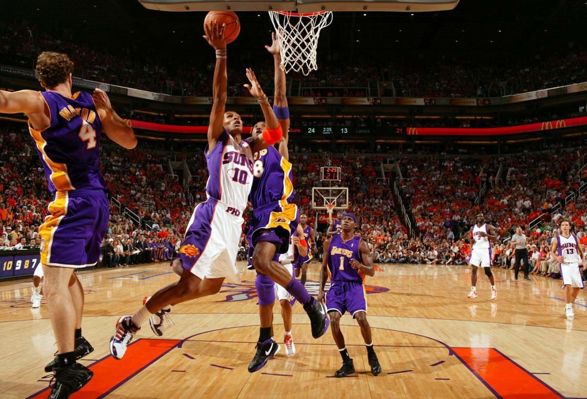 2006-Suns-Lakers-Leandro-Barbosa-Kobe-Bryant-015487677.jpg