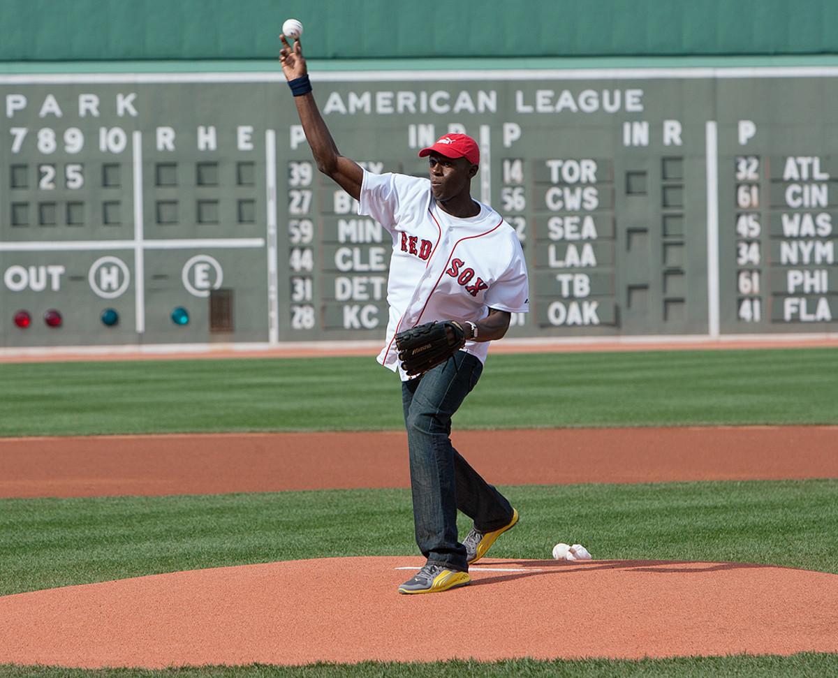 2009-0425-Usain-Bolt-Boston-Red-Sox-first-pitch-ophc-59933.jpg