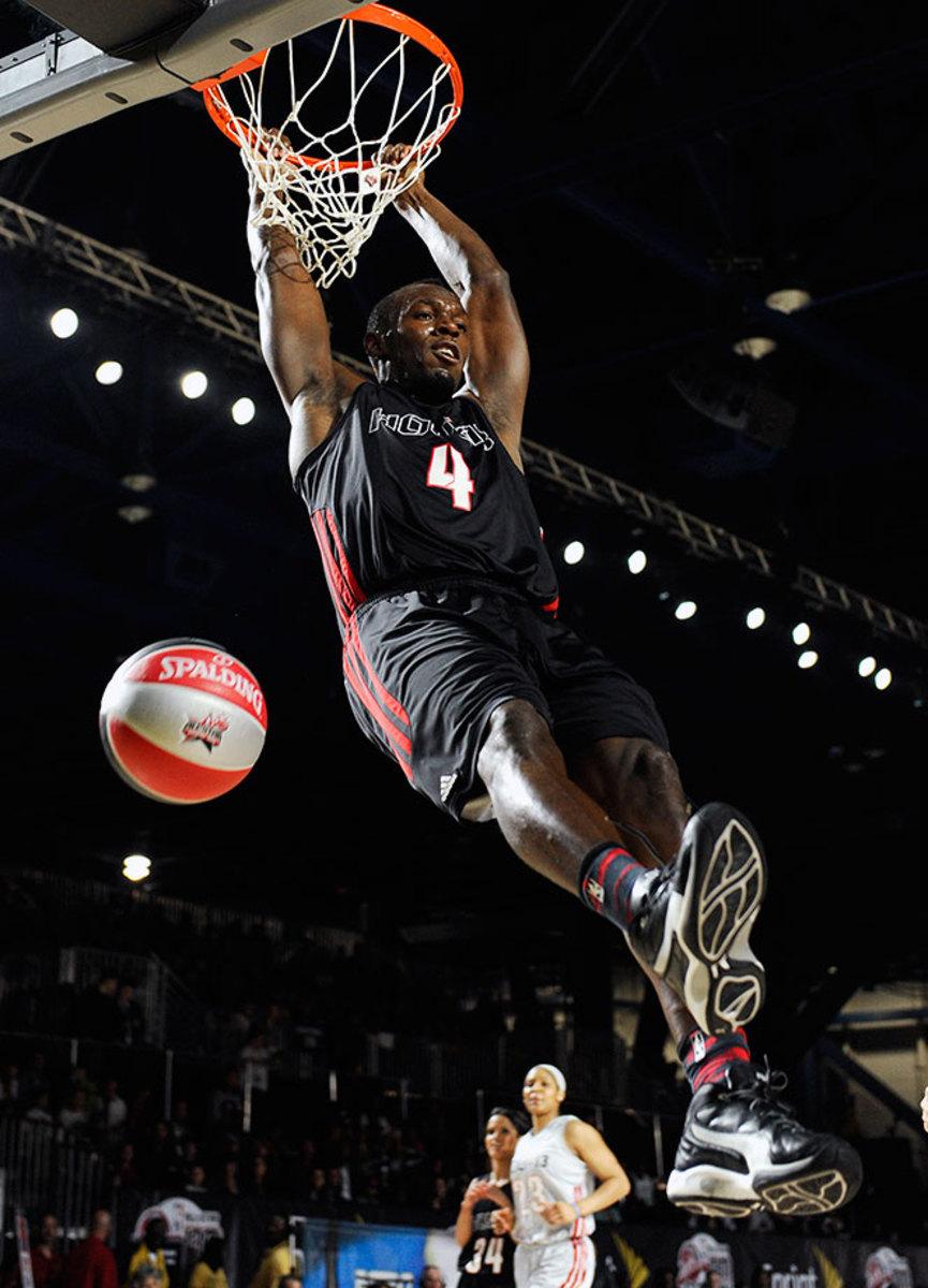 2013-0215-Usain-Bolt-dunk.jpg