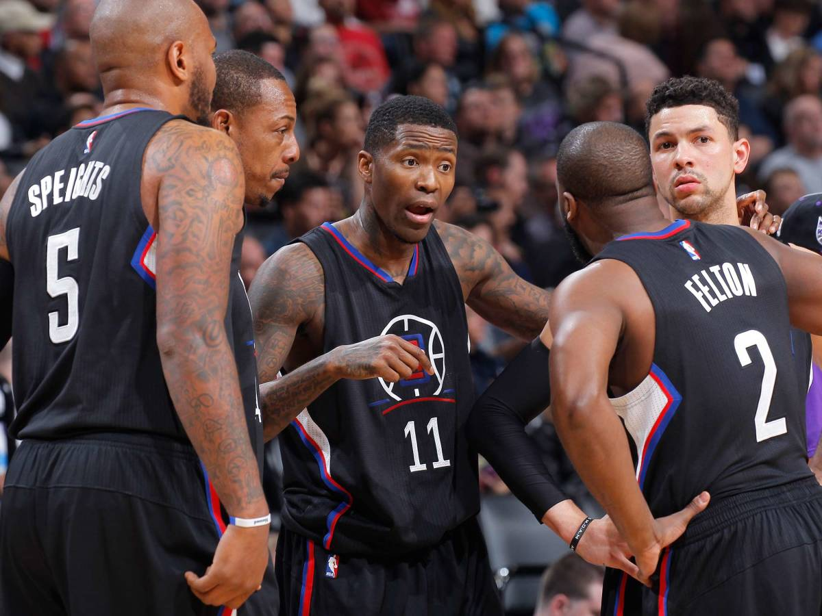 clippers-bench.jpg