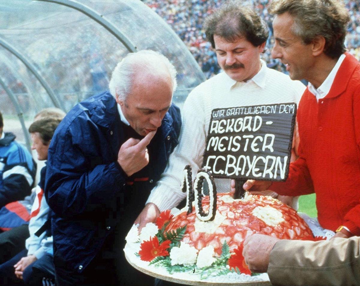 1987-Bayern-Munich-Udo-Lattek.jpg