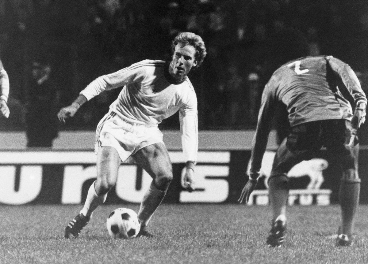 1976-Bayern-Munich-Karl-Heinz-Rummenigge.jpg