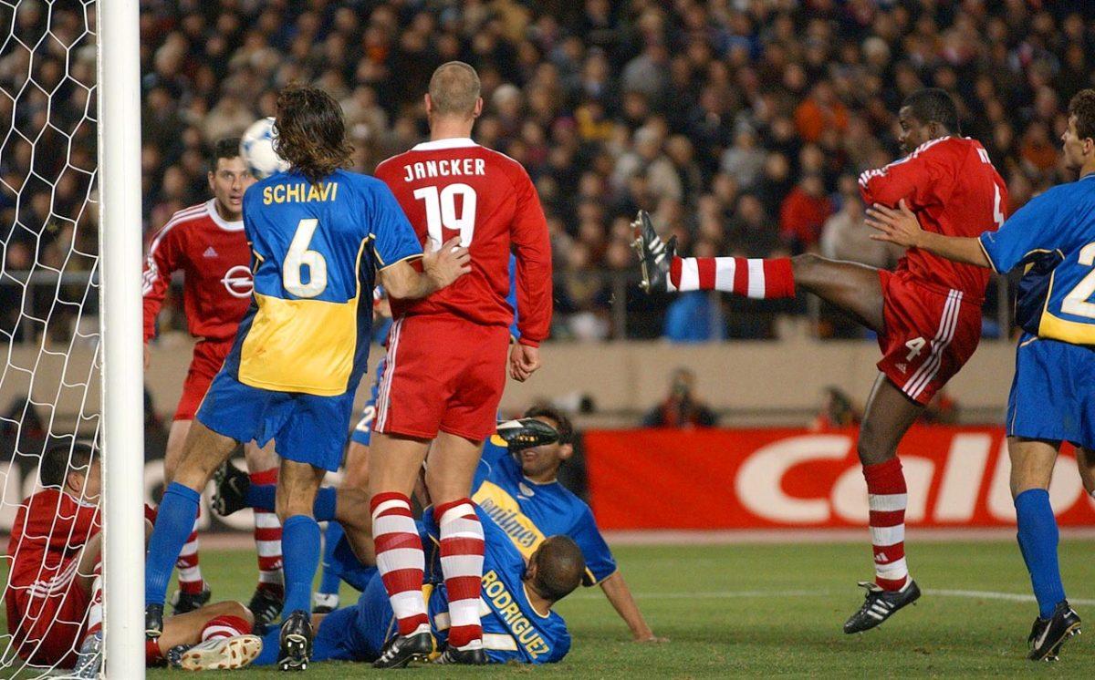 2001-Bayern-Munich-Boca-Juniors-Samuel-Kuffour-goal.jpg