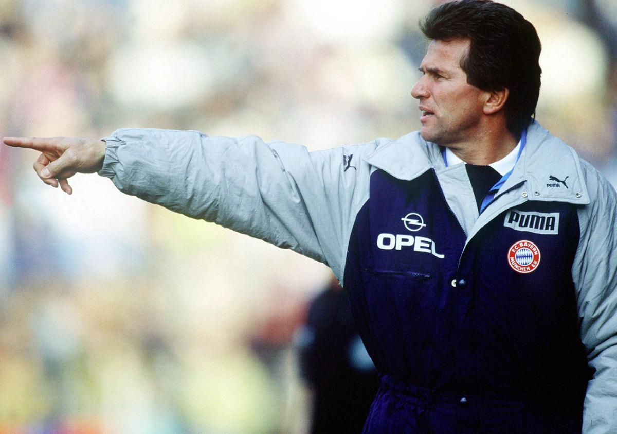 1988-Bayern-Munich-Jupp-Heynckes.jpg