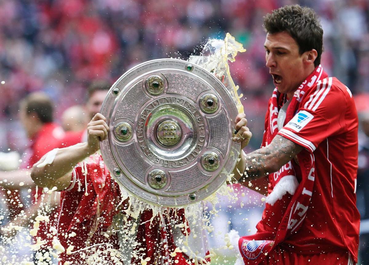 2013-Bayern-Munich-Bundesliga-Mario-Mandzukic.jpg