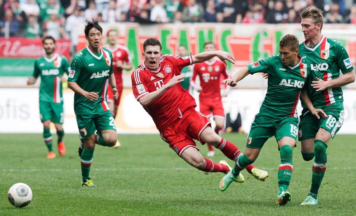 2014-Bayern-Munich-Augsburg-Pierre-Hojbjerg.jpg