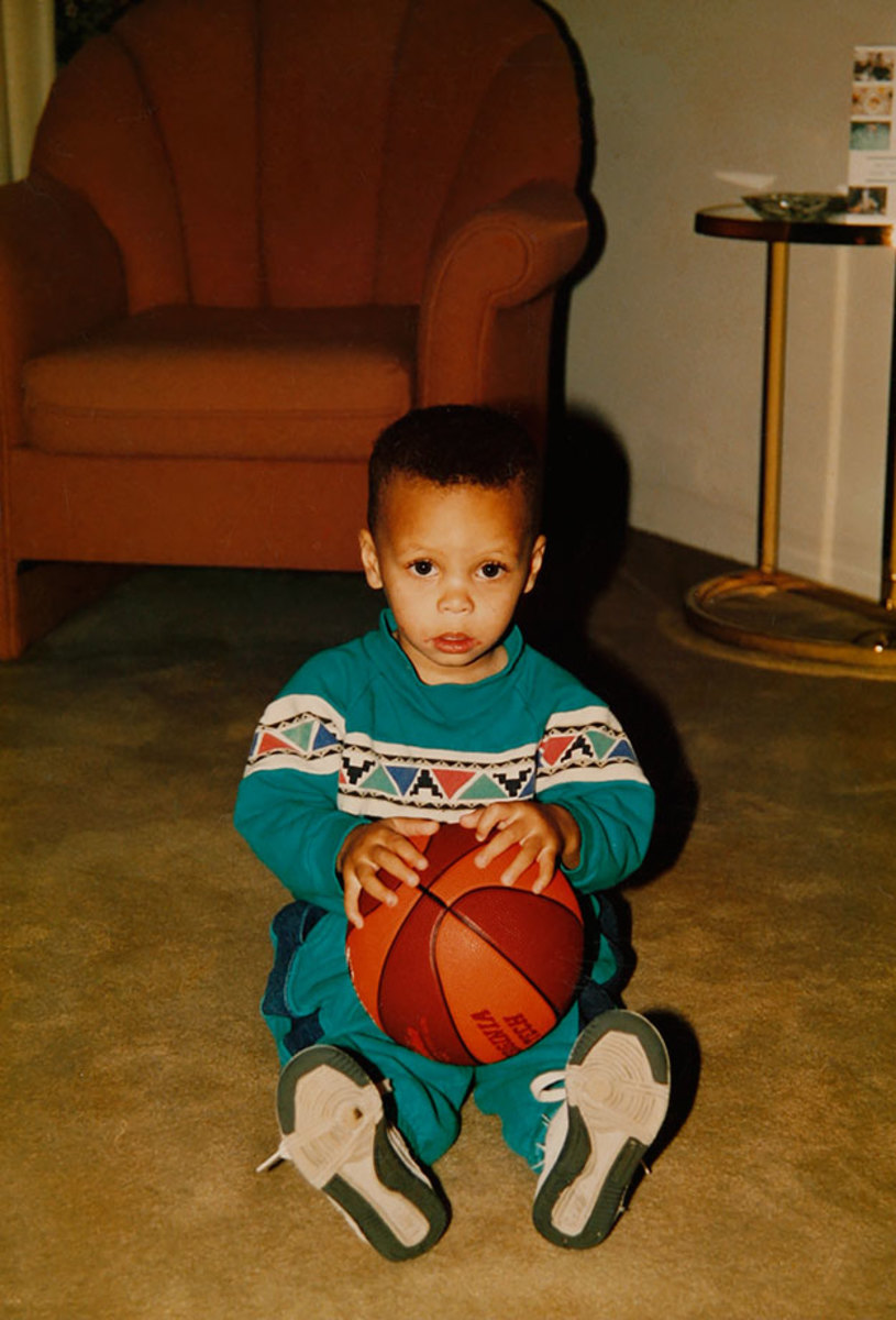 00-Stephen-Curry-childhood-076434134.jpg